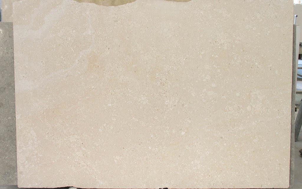 Lastra di pietra bianco avorio spazzolato